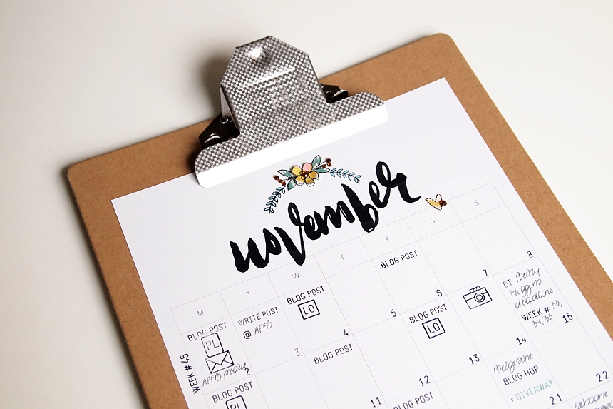 November Blog Planner Page + video by Els Brigé for Neat & Tangled