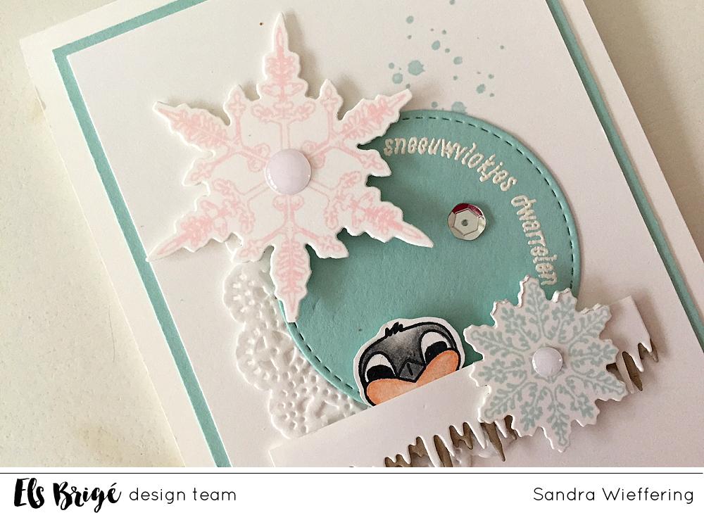 Sneeuwvlokjes dwarrelen/Fluttering snowflakes | Sandra